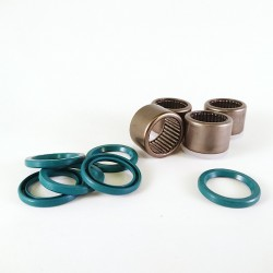 Linkage full complement bearing and seal set for the older series Elefant 350 / 650 / 750
